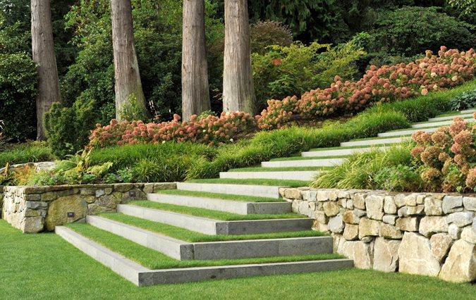 garden and landscape designer Lisa Ellis